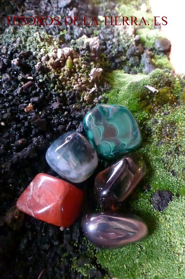 malaquita,agata musgo, jade rojo, cuarzo ahumado, hematites