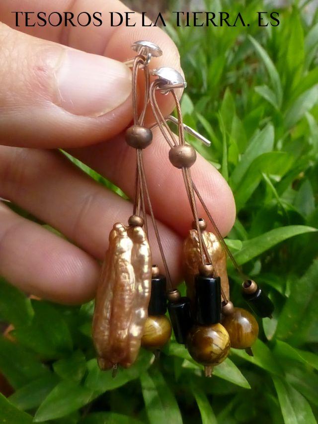 pendientes de perlas del rio, agata y ojo de tigre