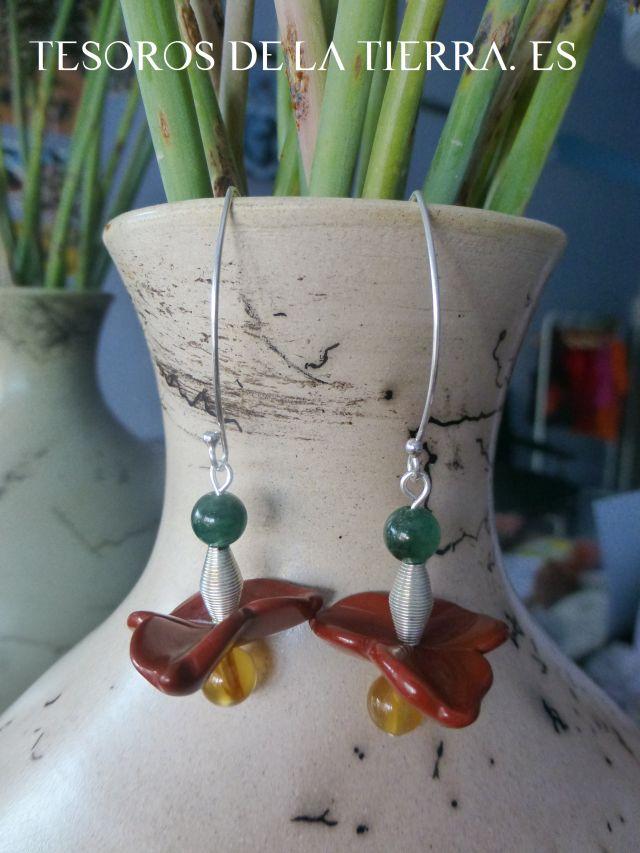 pendientes de cuarzo verde, jaspe rojo y cornalina